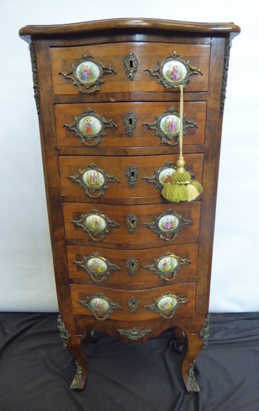 Serpentine Fronted Miniature Chest of Drawers £650