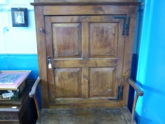 17th Century Oak Bacon Settle £1300