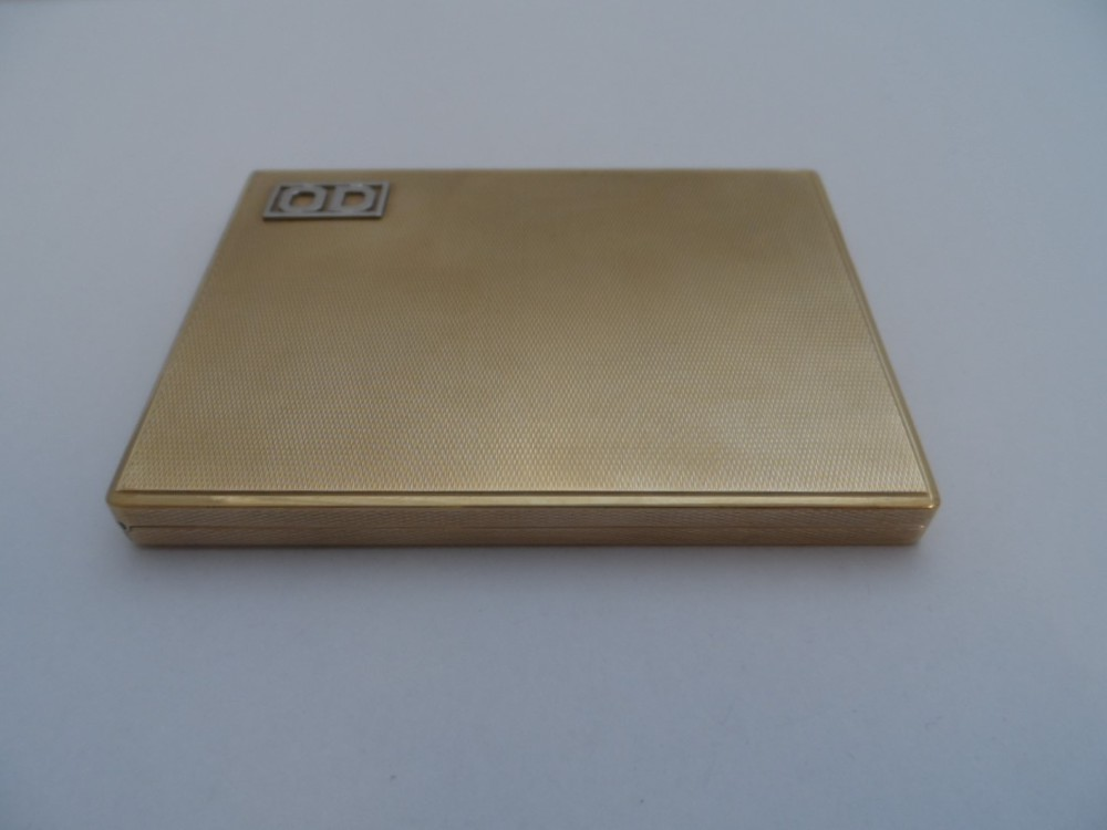 9ct Gold Cigarette Case £1410