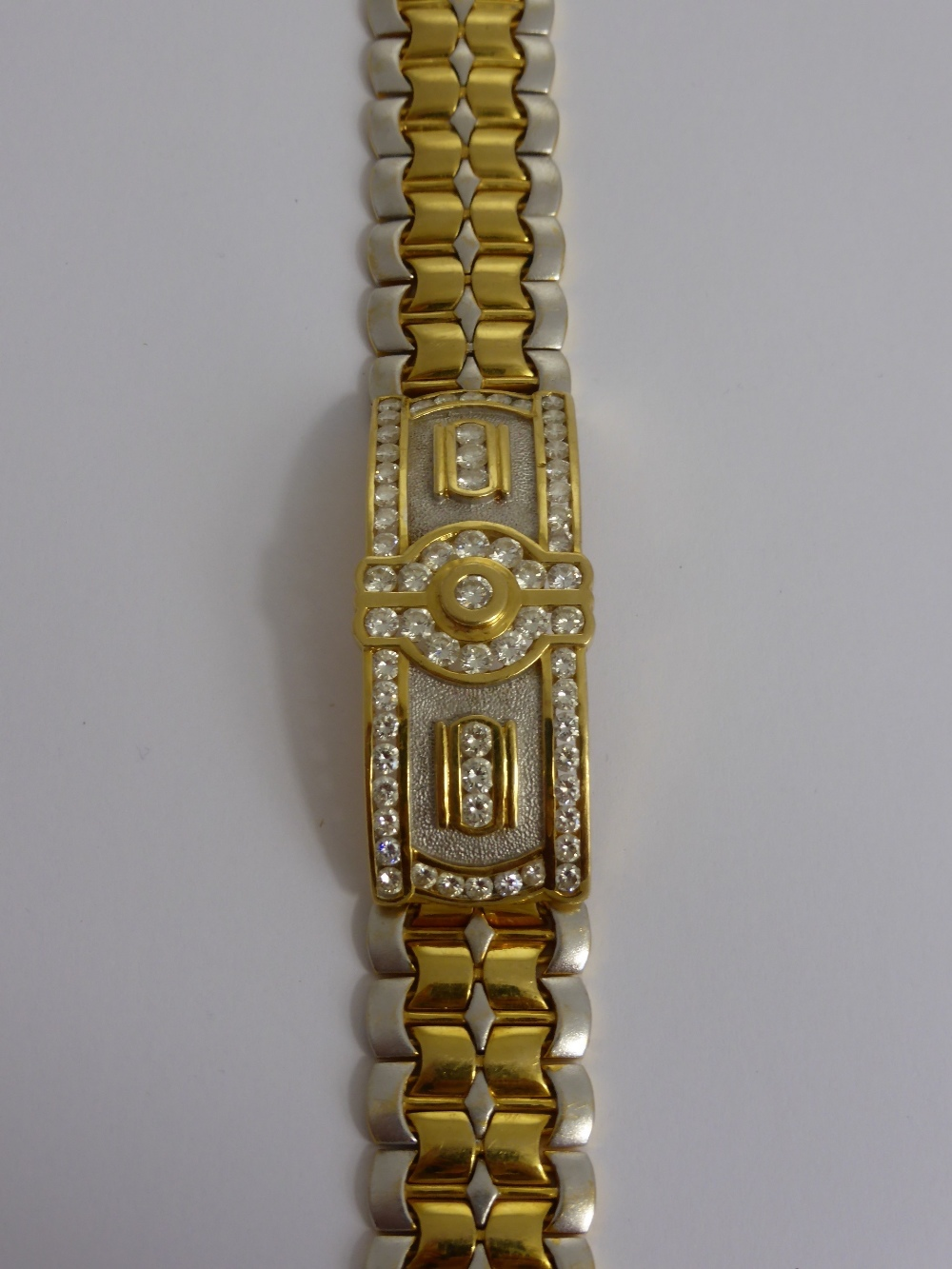 A Gentlemans 18ct Gold & Diamond Bracelet £1400