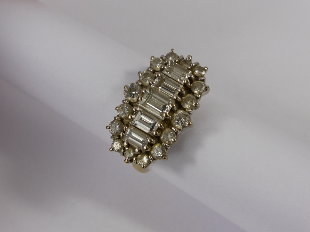 A Lady's 18ct White Gold & Diamond Ring £750.jpg
