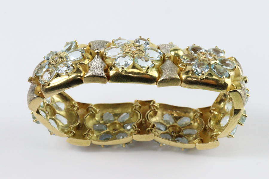 Elegant 18ct Yellow Gold Diamond and Aquamarine Bracelet SOLD for £3,400