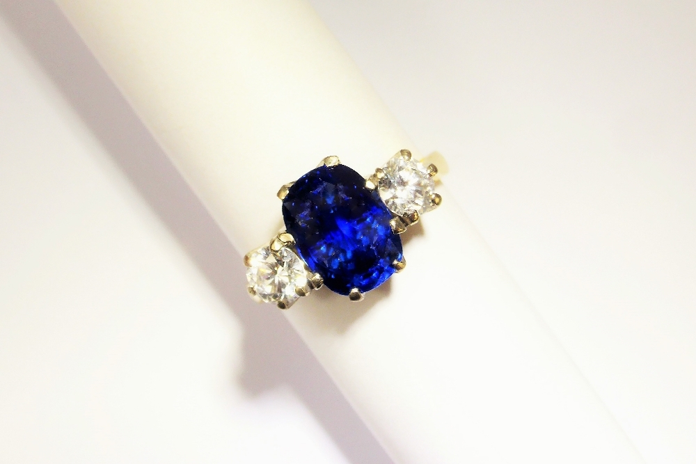 Lady's 3.3 Ct Sapphire and Diamond Ring £4200