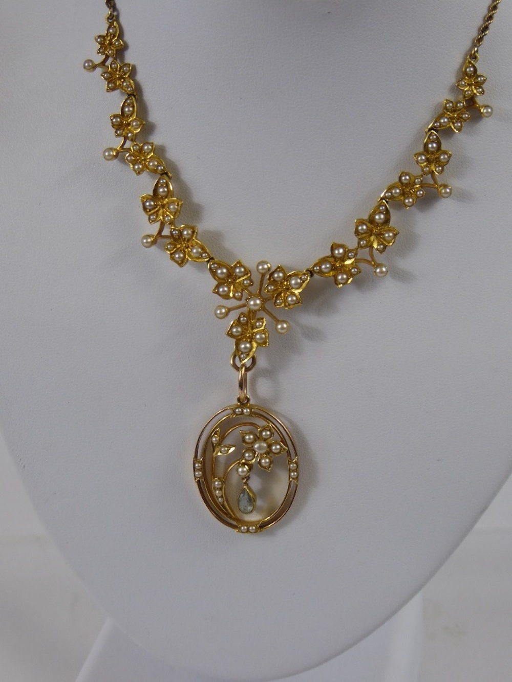 Lady Edwardian Seed Pearl Necklace £400