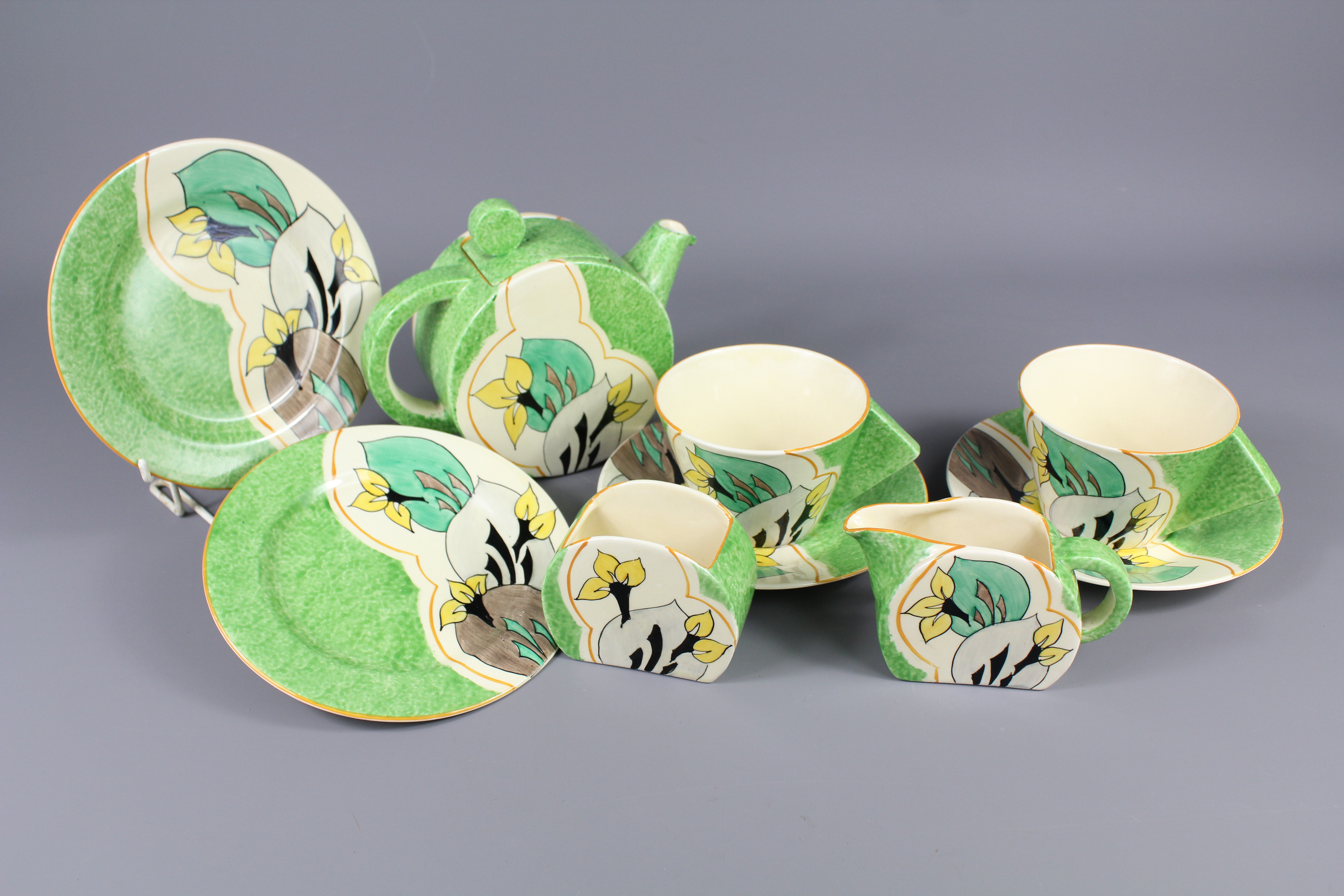 Lot-312-Clarice-Cliff-Fantastique-Tea-Set-SOLD-FOR-£1000