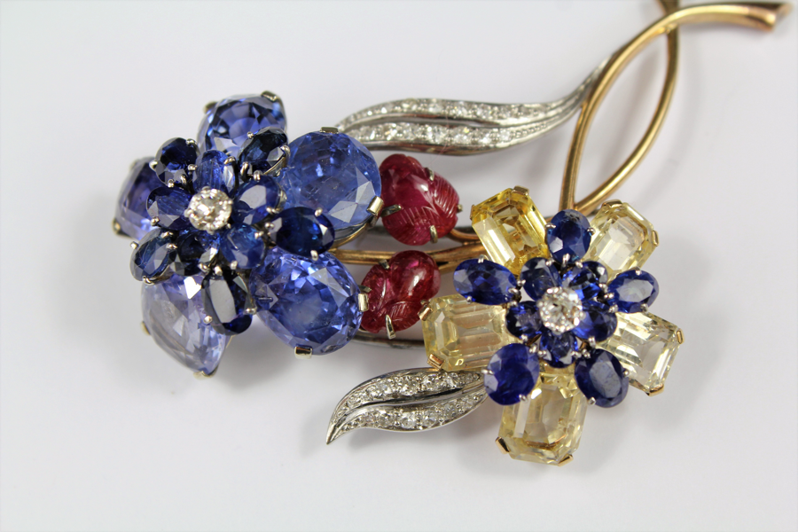 Natural-Ceylonese-Colour-Change-Sapphire-Brooch-SOLD-FOR-£3000