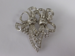 18ct White Gold & Diamond Brooch (5.28cts) £1200.jpg