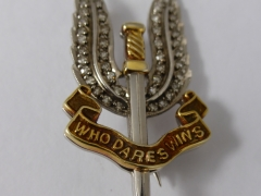 Garrard 9ct Gold SAS Badge £420